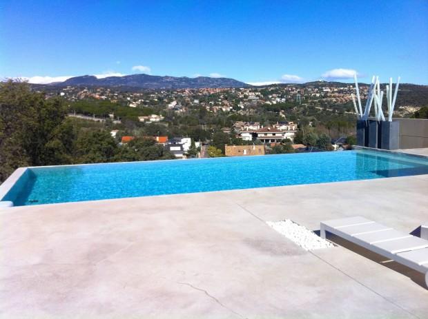 Vista Sierra de Madrid con piscina sinfin